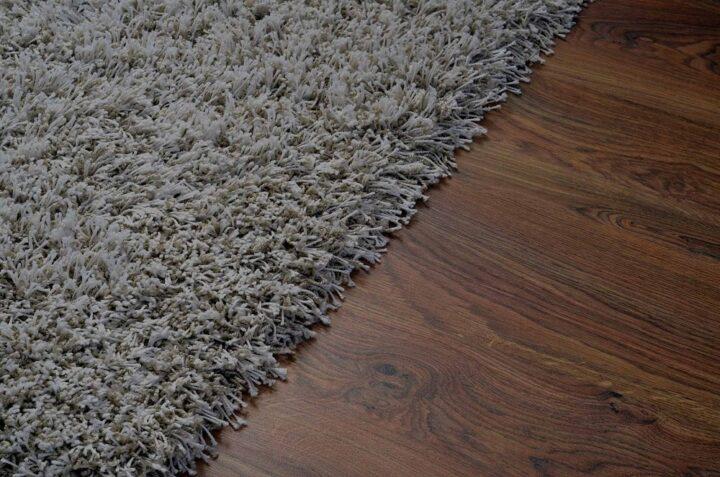 مقایسه لمینت با فرش در دکوراسیون