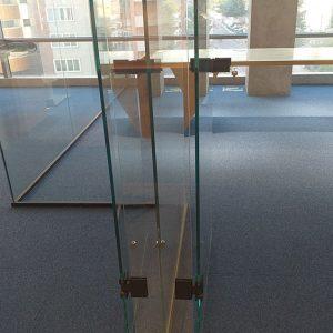 خرید موکت تایل رنگ آبی نصب شده در شرکت طراحی معماری